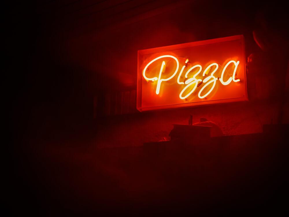 Insegne al neon sagomato a Brescia